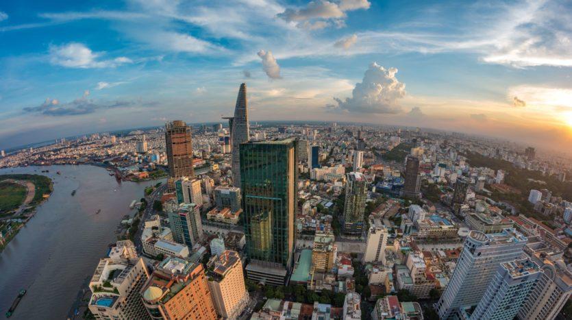 リタイアされた御客さまへベトナム不動産投資の御説明