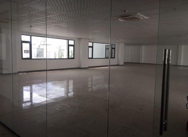 350平米の事務所物件を諸々御紹介